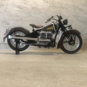 INDIAN Motorcycle - Gris Bordeau - Echelle 1/6