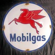 MOBILGAS - PLAQUE EMAILLEE RONDE - VINTAGE
