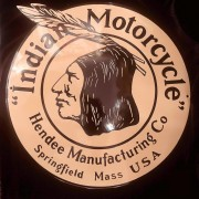 INDIAN OLD CHIEF - PLAQUE EMAILLEE CREME
