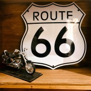 PLAQUE EMAILLEE ROUTE 66 BLANCHE