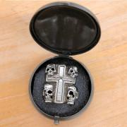Cross Skull Tribal - Pins Vintage