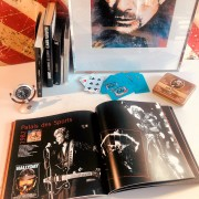 JOHNNY HALLYDAY - Livre - Les adieux du Rock Coeur