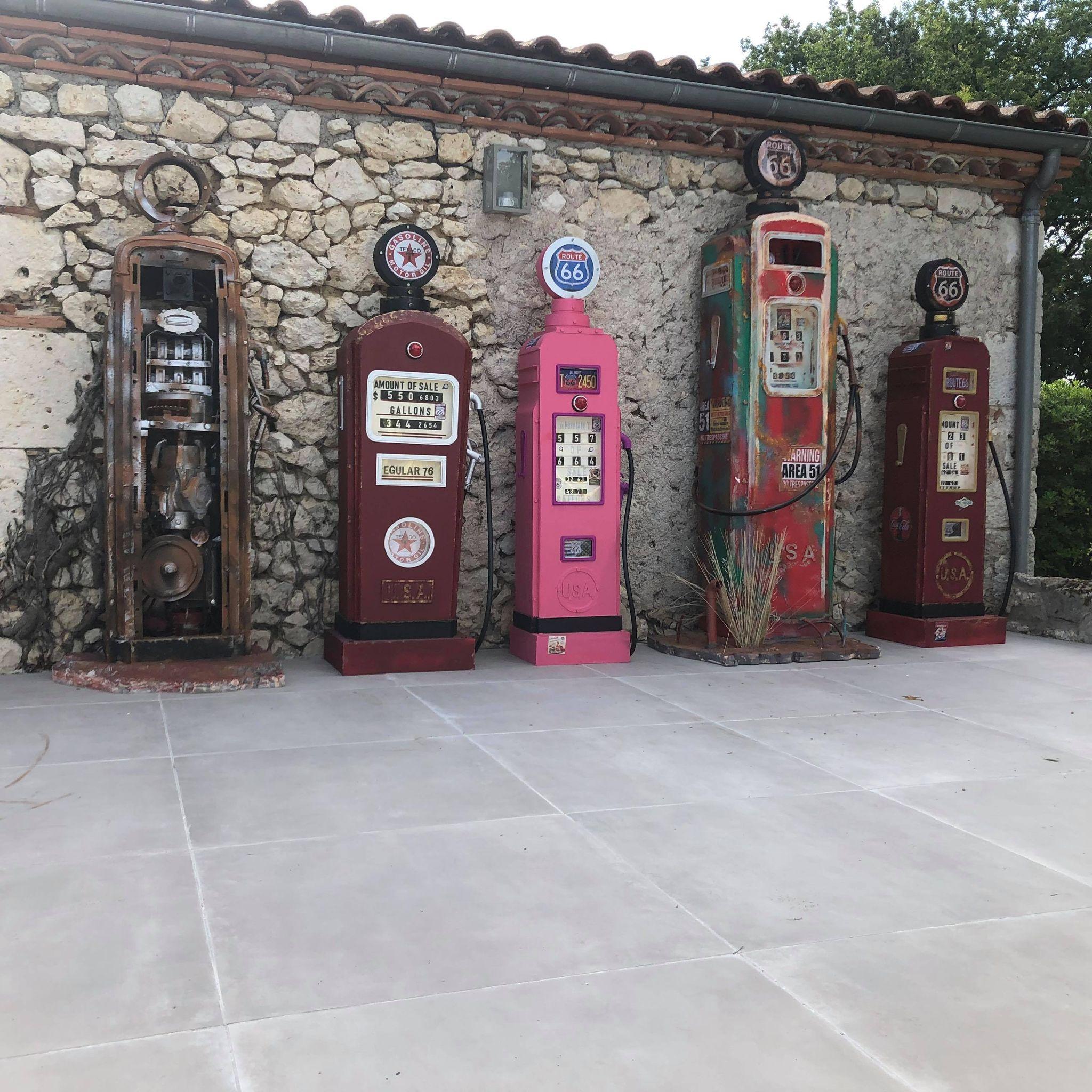 Pompes à essence USA vintage